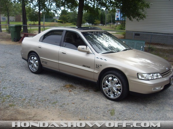 Hondashowoff 1994 Honda Accord Gold